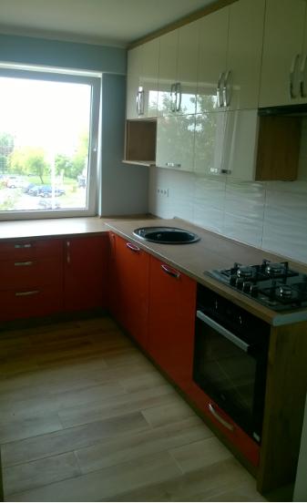 kuchnia pomarańcz i krem